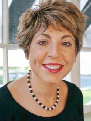 Elisa Glick headshot