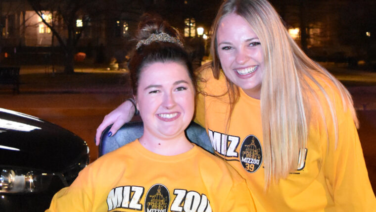 Ellie Stitzer and Megan Stober up close in Mizzou 39 shirts