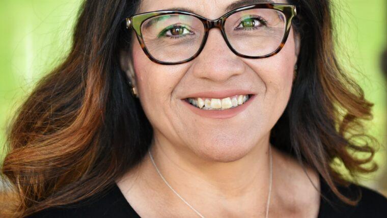 Headshot of Sylvia Jauregui